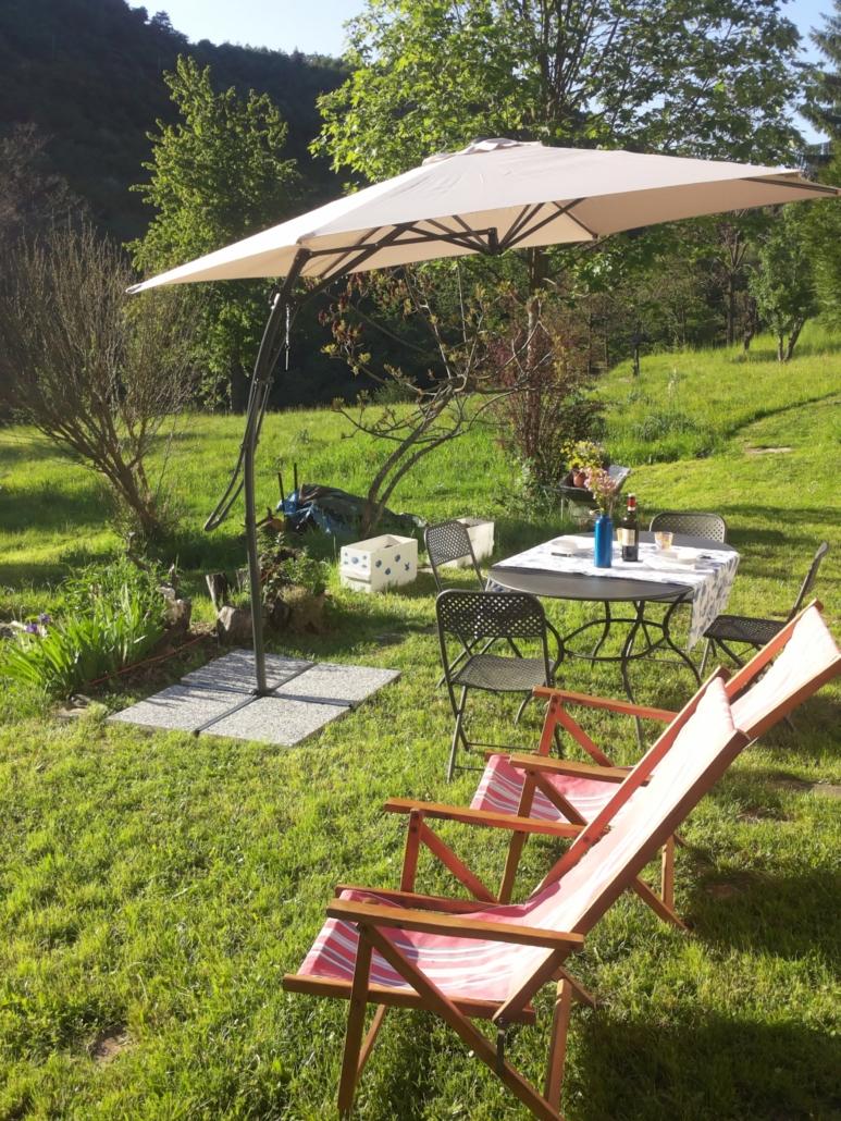 Relax nel giardino della Scallana