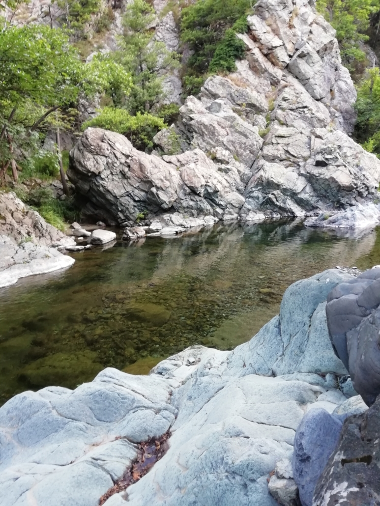 Lungo il torrente Carpescio